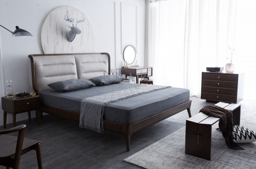 Queen and King Size Leather upholstery Bed